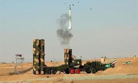 Nga bi mat ban tiem kich Su-30SM, tang T-90, S-400 cho Iran? - Anh 2