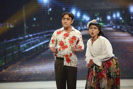 Don Nguyen bi 'danh' bam dap tren san khau khien Thanh Bach choang vang - Anh 5