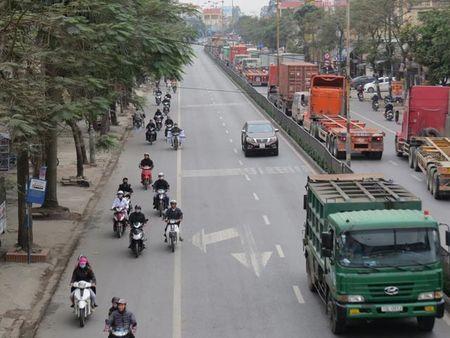 Clip: Cong an noi gi ve 'xe may chuan lan' o Hai Phong? - Anh 1