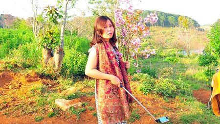 Vu 'be hoa': Lanh dao Binh Thuan yeu cau PGD So cong khai xin loi - Anh 1