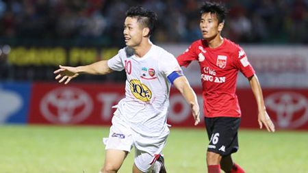 HAGL vs S.Khanh Hoa: Cong Phuong tim lai ban nang sat thu? - Anh 1