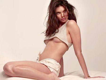 Kendall Jenner: Nhan sac lam nao loan lang bong ro My - Anh 1