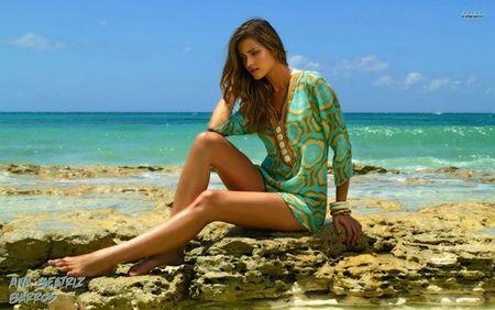 Ana Beatriz Barros - Body san chac, vong 1 lap lo - Anh 7