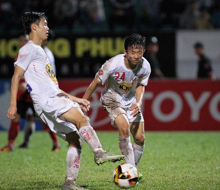 Cong Phuong tit ngoi, HAGL thua tran thu hai lien tiep tren san nha - Anh 1