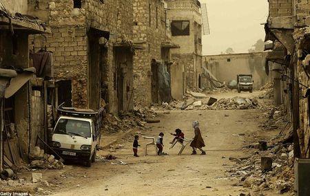 Hinh anh bao cat tan cong thanh pho Aleppo - Anh 8