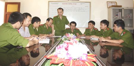 Viet tiep bai 'Hai vi khach va boc tien hon 6 ty dong': Sau vu 6,1 ty dong la 'choi' sung! - Anh 1