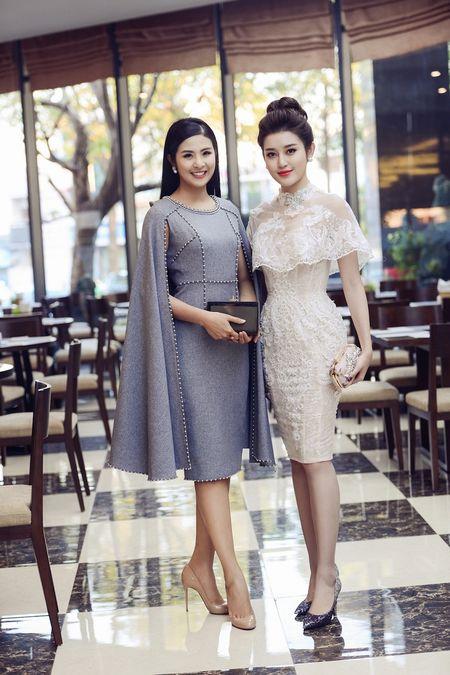 Hoa hau Ngoc Han, A hau Huyen My khuay dong le hoi duong pho Buon Me Thuot - Anh 8