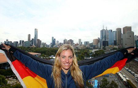Sao WTA nguoi noi moc, nguoi bao ve Maria Sharapova tro lai - Anh 2