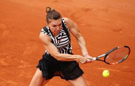 Sao WTA nguoi noi moc, nguoi bao ve Maria Sharapova tro lai - Anh 4