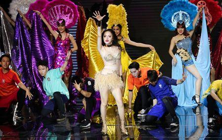 Huong Giang quyen ru den muc giam khao 'The Remix' boi roi quen loi - Anh 1
