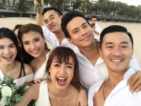 Lo thuc don do uong 'cuc doc' trong dam cuoi Nguyet Anh - Anh 9