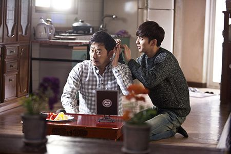 """Cai gia cua toi ac"" cua Yoo Seung Ho va Park Min Young dang chu y co nao? - Anh 3"