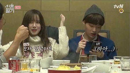 "Goo Hye Sun ""to cao"" chong tre Ahn Jae Hyun van giu do ban gai cu trong nha - Anh 2"