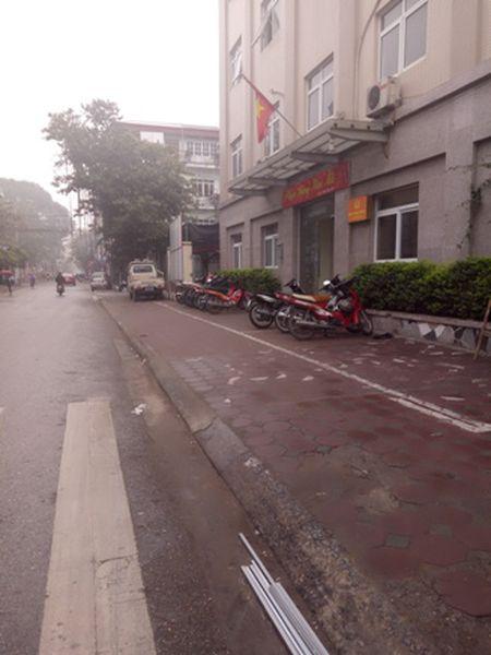 Duong pho thong thoang, rang ngoi dien mao do thi Ha Noi - Anh 7