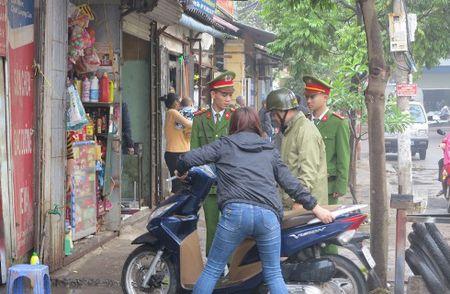 Duong pho thong thoang, rang ngoi dien mao do thi Ha Noi - Anh 9