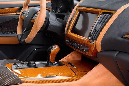Maserati Levante ban do widebody dau tien the gioi tu Mansory - Anh 11