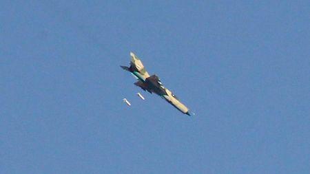 UAV Nga ghi lai tran khong kich phien quan Syria (video) - Anh 1