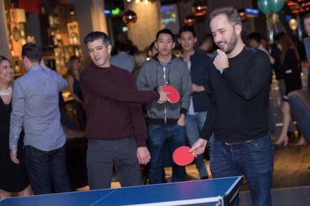 CEO Uber choi bong ban cung CEO Facebook - Anh 3
