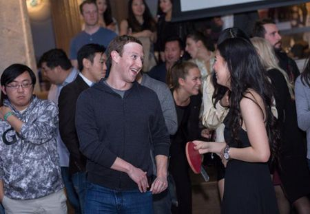 CEO Uber choi bong ban cung CEO Facebook - Anh 7