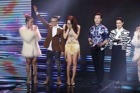 Qua khon kheo, Huong Giang Idol danh bai Yanbi - Yen Le trong dem nhac Latin Remix New Generation - Anh 4