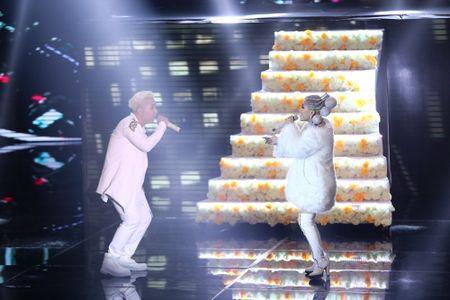 Qua khon kheo, Huong Giang Idol danh bai Yanbi - Yen Le trong dem nhac Latin Remix New Generation - Anh 5