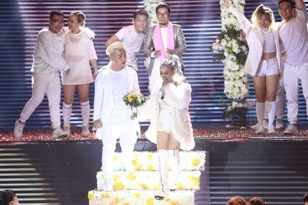 Qua khon kheo, Huong Giang Idol danh bai Yanbi - Yen Le trong dem nhac Latin Remix New Generation - Anh 7