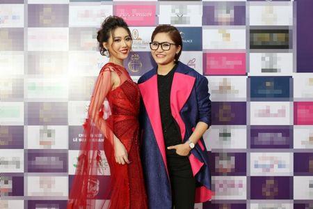 Sau Sing My Song, Vicky Nhung mang hit 'Viet Nam nhung chuyen di' len san khau lon - Anh 2