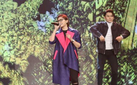 Sau Sing My Song, Vicky Nhung mang hit 'Viet Nam nhung chuyen di' len san khau lon - Anh 4