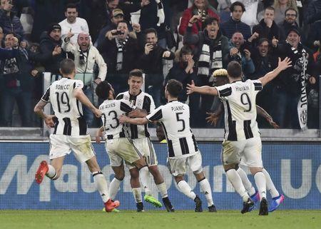 Dybala ghi ban quyet dinh, Juventus ha Milan o phut 90+7 - Anh 1