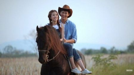 Push Puttichai va Esther Supreeleela: Cap doi Thai Lan nhieu duyen no, moi nam tai hop mot lan 'don tim fan' - Anh 7