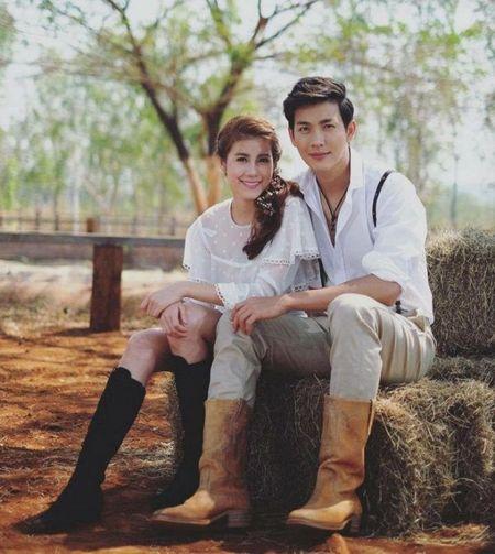 Push Puttichai va Esther Supreeleela: Cap doi Thai Lan nhieu duyen no, moi nam tai hop mot lan 'don tim fan' - Anh 8