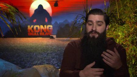 24h ban ron va dang nho cua dao dien 'Kong: Skull Island' tai Viet Nam - Anh 1