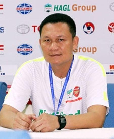 HLV Nguyen Quoc Tuan tin HAGL se ha guc Khanh Hoa, trong tai Kien xin nghi vi ap luc - Anh 1