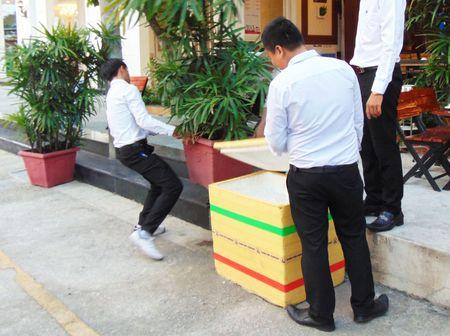 Huyen Hoc Mon giup dan thao do hang muc xay lan - Anh 5