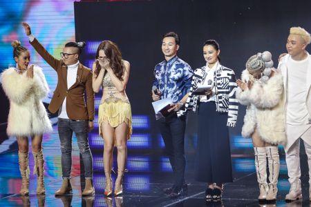 Vu Cat Tuong boi roi quen loi vi Huong Giang Idol qua dep - Anh 4