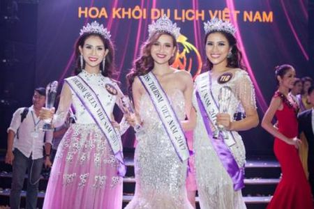Nguoi dep 'phau thuat rang' gianh A khoi Du lich Viet Nam 2017 - Anh 3