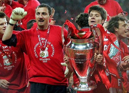 Liverpool khong bao gio han gan duoc vet thuong mang ten Alonso - Anh 2