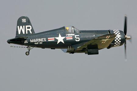 Tiem kich 'mong bien' F4U-5N Corsair - sat thu doi voi bo binh - Anh 10