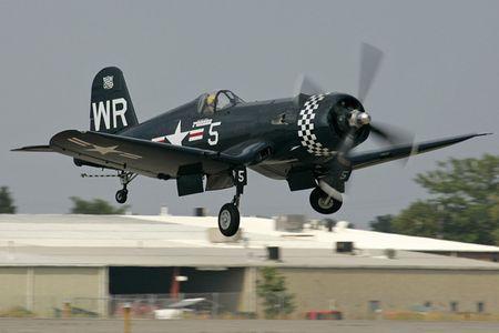 Tiem kich 'mong bien' F4U-5N Corsair - sat thu doi voi bo binh - Anh 8