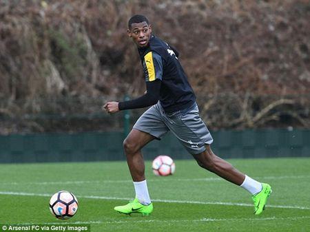 Chum anh: Sanchez cau co tren san tap Arsenal truoc tran tu ket FA Cup - Anh 10
