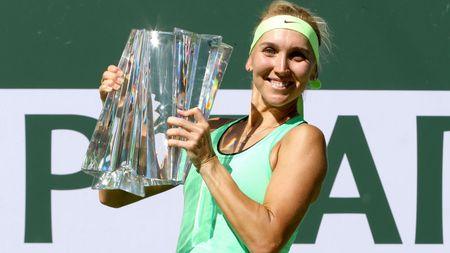Nguoc dong ngoan muc, Elena Vesnina nang cup Indian Wells - Anh 1