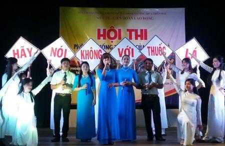 LDLD Thua Thien - Hue: Phong chong tac hai cua thuoc la cho nguoi lao dong - Anh 1