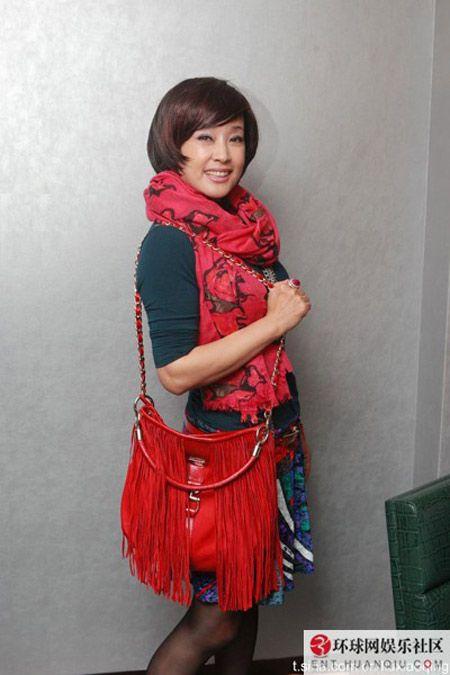 Chong mat voi style cua 2 my nu nhieu chong nhat showbiz - Anh 8