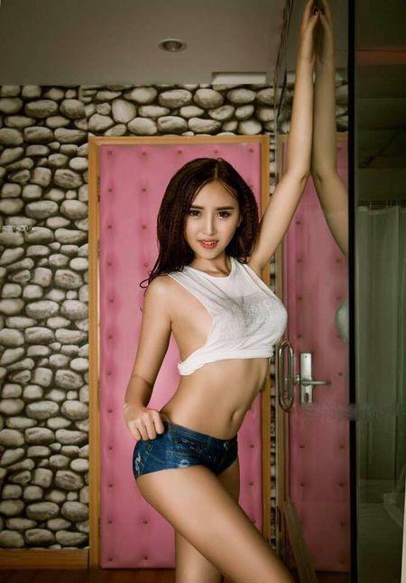 8 body 'nong tung cm' dang gay bao so loai Next Top - Anh 12