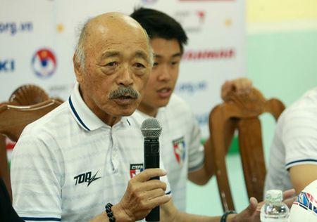 HLV Huu Thang: 'Tuyen Viet Nam dang buoc vao mot trang moi voi day suc tre' - Anh 3