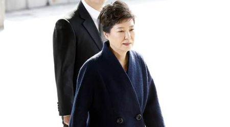 Cuu tong thong Park Geun-hye xin loi nguoi dan - Anh 1