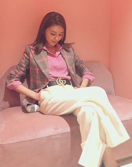 Sao Han 21/3: Soo Young khoe xi tai manh me, Yeri (Red Velvet) nu tinh - Anh 1