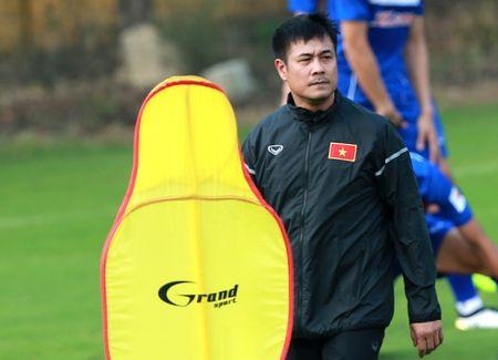 Tin HOT toi 21/3: Huu Thang khuoc tu VFF, Xuan Truong mac ao la - Anh 1