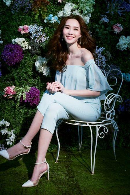 Hoa hau Thu Thao dep long lay trong vuon tinh yeu - Anh 3