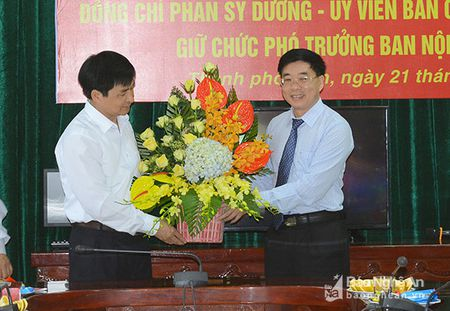 Nghe An: Trao quyet dinh bo nhiem Pho truong Ban Noi chinh Tinh uy - Anh 2